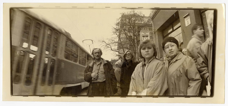 Зупинка трамваю 5, 7, 11 на вул. Пушкінській № 3